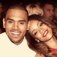 """No clima de """"50 Tons de Cinza"""", fã escreve livro dedicado ao namoro de Rihanna e Chris Brown"""