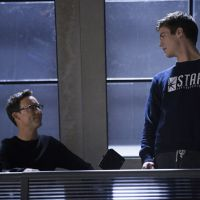 "Em ""The Flash"": Na 1ª temporada, produtor executivo fala sobre Dr. Wells e o novo amor de Barry!"