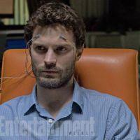 """Jamie Dornan, de """"50 Tons de Cinza"""", aparece em primeira imagem de novo filme"""