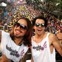 """Sam Alves e Kim Lírio, do """"The Voice Brasil"""", se juntam ao Babado Novo em trio elétrico na Bahia"""