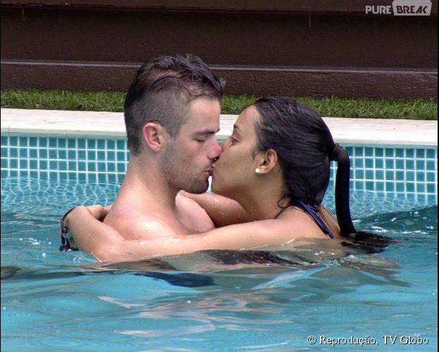 sexo em casa sexo na piscina