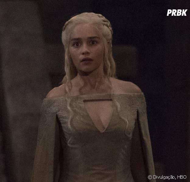 """Em """"Game of Thrones"""", Daenerys (Emilia Clarke) vai precisar de bastante ajuda"""