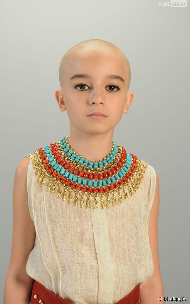 """Em """"Os Dez Mandamentos"""", Enzo Simi interpreta o protagonista Moisés quando criança!"""