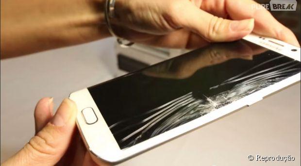 Teste comprova que Samsung Galaxy S6 Edge entorta tanto quanto iPhone 6 Plus
