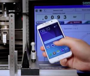 """Samsung lançou um vídeo no Youtube contestando o resultado do teste feito pelo canal """"Square Trade""""."""