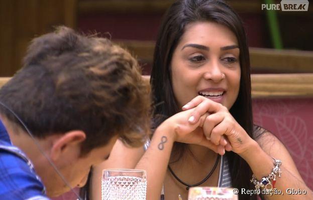 """Amanda e Cézar conversam sobre o primeiro dia na casa do """"Big Brother Brasil"""""""