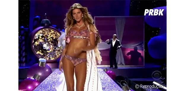 Gisele desfilando para a grife Victoria's Secret