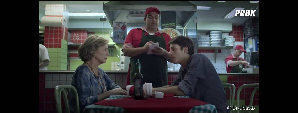 """""""Entre Abelhas"""" tem seus momentos cômicos e conta com atuação de Fábio Porchat"""