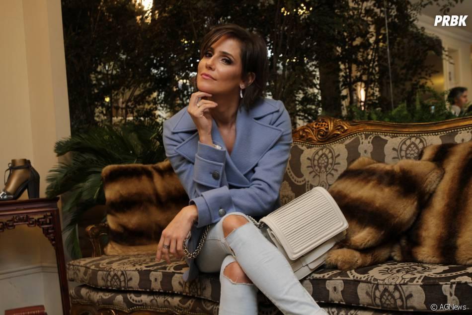 """Deborah Secco vai a evento e fala sobre saída da novela """"Verdades Secretas"""""""