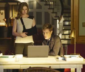 """Em """"Revenge"""", Nolan (Gabriel Mann) era o hacker que toda vingativa sonha em ter"""