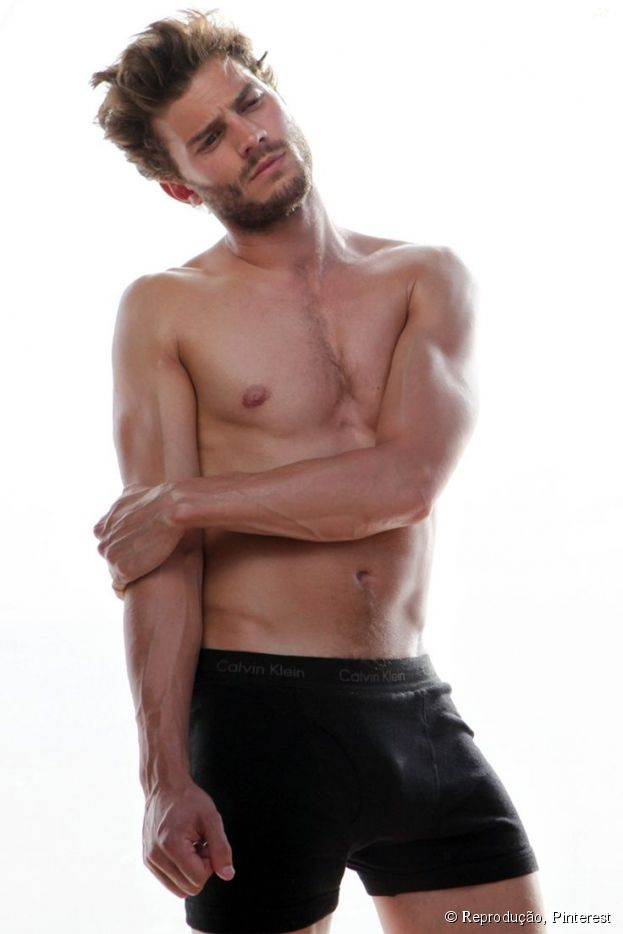 """Jamie Dornan, de """"Cinquenta Tons de Cinza"""", teria recebido uma proposta de aproximadamente US$ 1,5 milhão para aparecer completamente pelado na franquia!"""