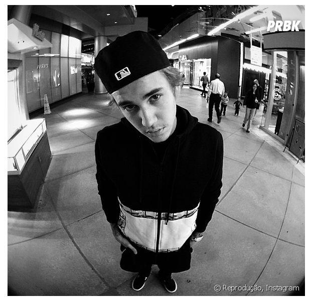 Justin Bieber revela vício em Instagram e diz que aplicativo já abalou sua auto-estima