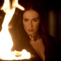 """Em """"Game of Thrones"""": na 5ª temporada, Melisandre vai passar dos limites para conseguir mais poder!"""