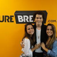 """Meet & Break: Sam Alves realiza sonho de fã, fala sobre carreira, """"ID"""" e mais em bate-papo ao vivo"""