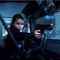 "Emilia Clarke (""Game of Thrones"") e Arnold Schwarzenegger em clipes de ""Exterminador do Futuro"""