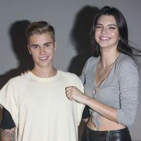 Justin Bieber e Kendall Jenner se unem em evento de moda e cantor mostra seu tanquinho sarado!