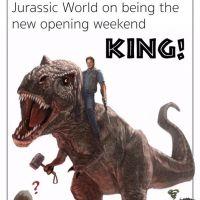 """Filme """"Jurassic World"""" ultrapassa bilheteria de """"Os Vingadores"""" e ganha parabéns especial da Marvel!"""