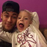 Neymar Jr. já curte férias com amigos e família no Guarujá após abandonar o Brasil na Copa América
