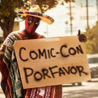 Comic-Con 2015: Ryan Reynolds pede carona para evento em nova foto do Deadpool. Confira!