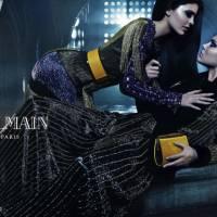 Com Kendall e Kylie Jenner, Balmain escala modelos-irmãs para campanha de moda