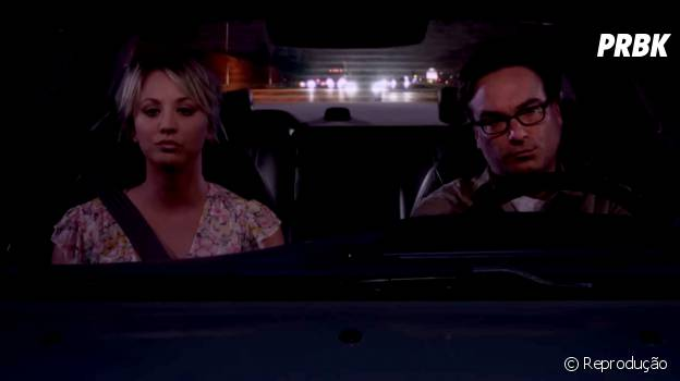 "Penny (Kaley Cuoco) e Leonard (Johnny Galecki) encerraram a 8ª temporada de ""The Big Bang Theory"" no maior climão"