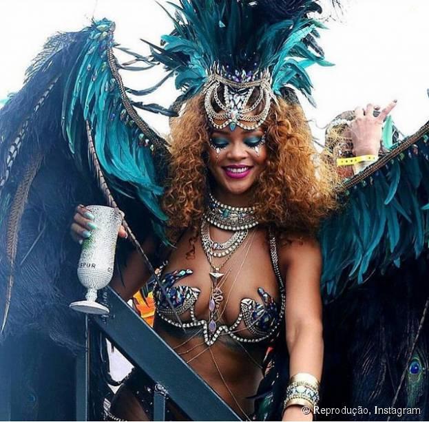 Veja os melhores momentos do Carnaval de Barbados com Rihanna!
