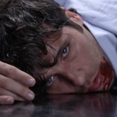 """Novela """"Babilônia"""": Murilo (Bruno Gagliasso) surta com Alice (Sophie Charlotte) e morre em boate!"""