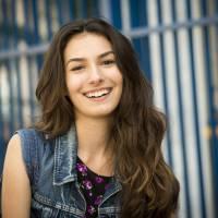 """Marina Moschen, de """"Malhação"""", visitou o subúrbio carioca durante preparação para viver protagonista"""