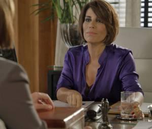 """Tortura de Inês (Adriana Esteves) em """"Babilônia"""" foi planejada por Beatriz (Gloria Pires)"""