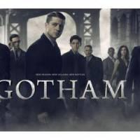 """Em """"Gotham"""": na 2ª temporada, Bruce Wayne (David Mazouz) e elenco reunido em pôster promocional!"""