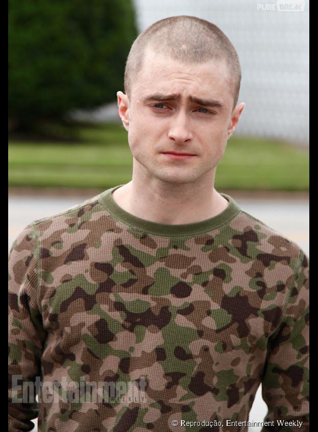 """Daniel Radcliffe raspa a cabeça para o filme """"Imperium"""""""