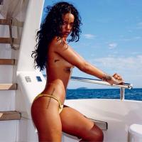 Rihanna no Rock in Rio 2015: cantora desembarca no Brasil e vira assunto mais comentado no Twitter!