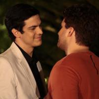 """Em """"Amor à Vida"""", Félix vai dar um fora em Niko ao perceber interesse do chef!"""