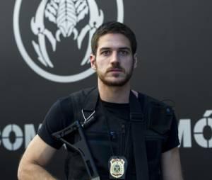 """Marco Pigossi interpreta um policial, em """"A Regra do Jogo"""""""