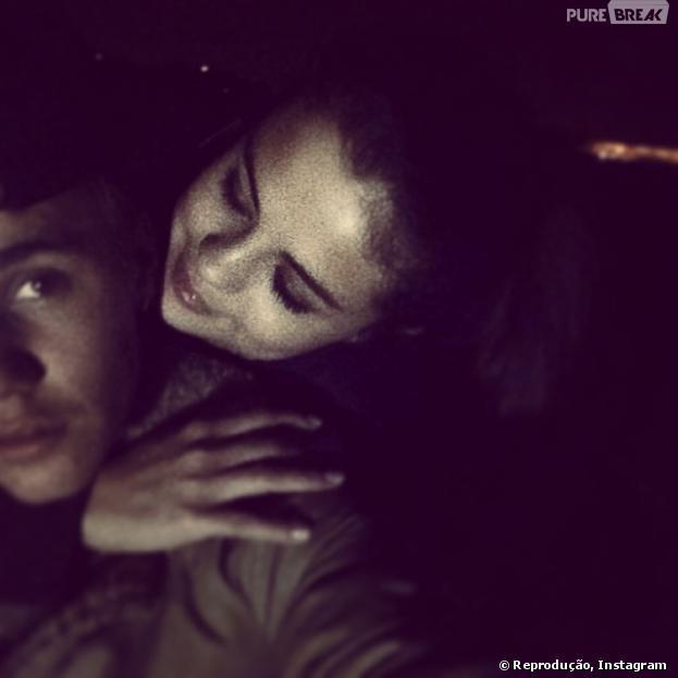 """Justin Bieber posta foto ao lado de Selena Gomez: """"Eu amo o jeito que você me olha"""""""