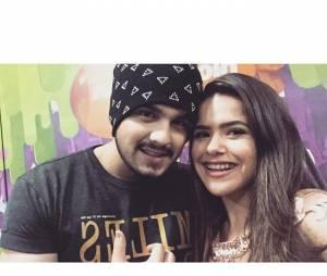 Maisa Silva publicou foto tietando o cantor Luan Santana, nos bastidores do Meus Prêmios Nick 2015