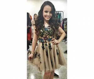 Larisa Manoela adiantou para os fãs o look que usaria no Meus Prêmios Nick 2015