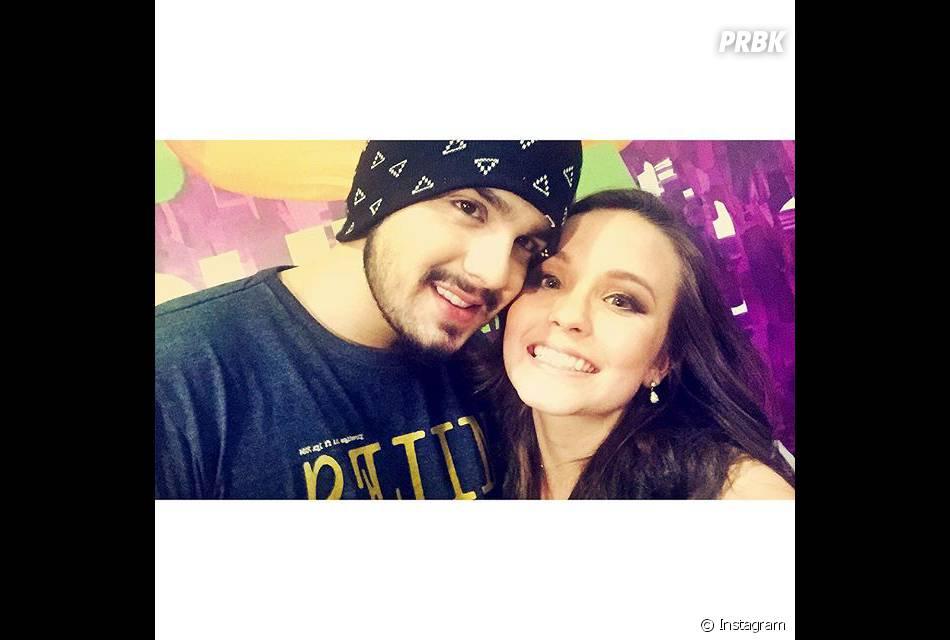 6f5a304423e66 Luan Santana e Larissa Manoela fizeram selfie nos bastidores do Meus  Prêmios Nick 2015, e atriz divulgou para os fãs