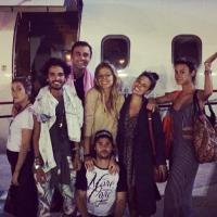 """Depois de Réveillon no Caribe, Isis Valverde volta ao Brasil na estreia de """"Amores Roubados"""""""