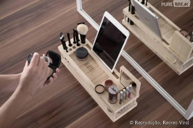 Veja acessórios para organizar melhor seu quarto: esse ajuda a guardar suas maquiagens!