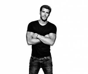 Liam Hemsworth, em entrevista à revista Men's Fitness, relembra noivado com Miley Cyrus