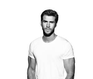 Liam Hemsworth relembra relação com Miley Cyrus em entrevista