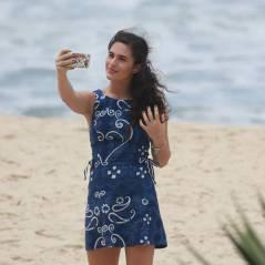 """Lívian Aragão, de """"Malhação"""", faz ensaio fotográfico e sensualiza vestidinho na praia"""