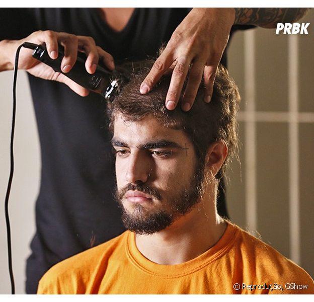 """Caio Castro, de """"I Love Paraisópolis"""", raspa a cabeça para final da novela!"""