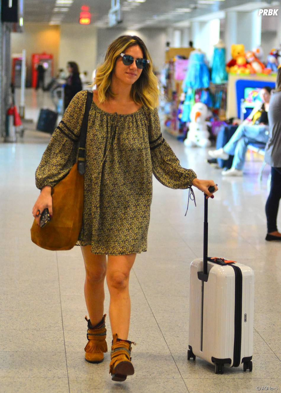 ff46b6872 Giovanna Ewbank usa look hippie chique em aeroporto - Purebreak