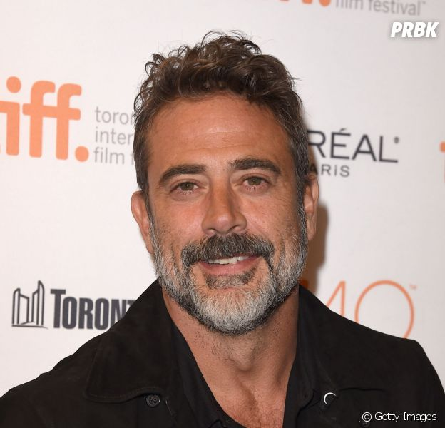 "Em ""The Walking Dead"": na 6ª temporada, Jeffrey Dean Morgan dá vida ao vilão Negan!"