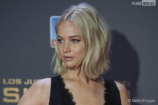 """Jennifer Lawrence levou o maior tombo enquanto divulgava """"Jogos Vorazes: A Esperança - O Final"""""""
