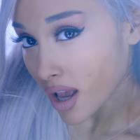 """Ariana Grande revela que não quer quebrar recordes com """"Moonlight"""", seu terceiro álbum!"""