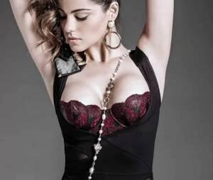 Ex-RBD, Maite Perroni aparece ousada em fotos de revista
