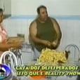 """""""Casa dos Desesperados"""" é um antigo reality show brasileiro que tinha como o objetivo fazer polêmica. Os participantes eram super diferentes uns dos outros e viviam em uma casa minúscula"""